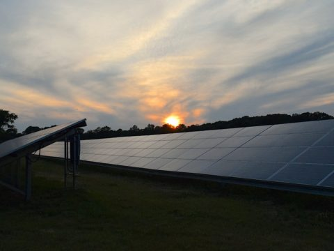 Mega Solar Power System Set to Provide Electricity at Night